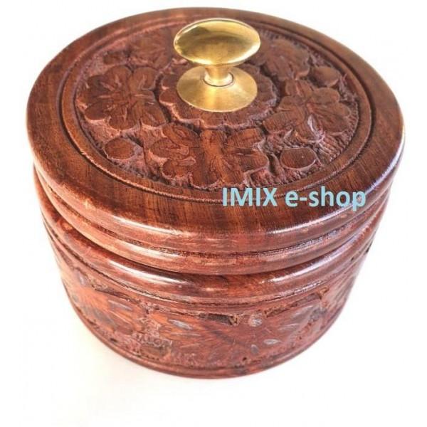 Dřevěná vyřezávaná dóza, šperkovnice kruhová s víkem