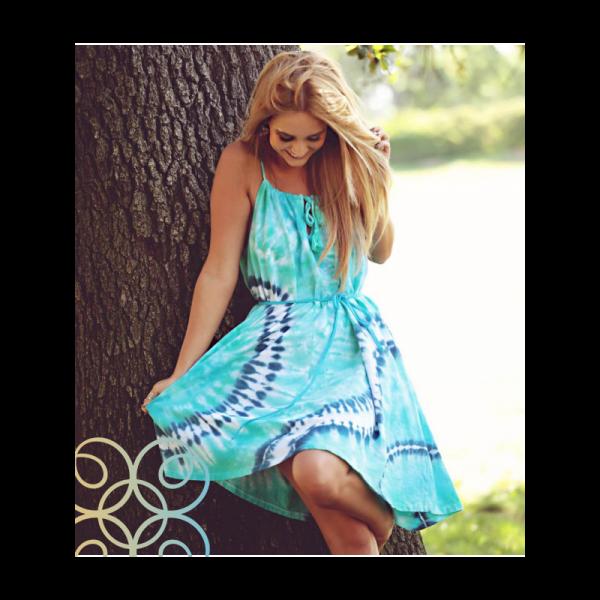 Dámské letní krátké šaty na ramínka batikované s provázkem
