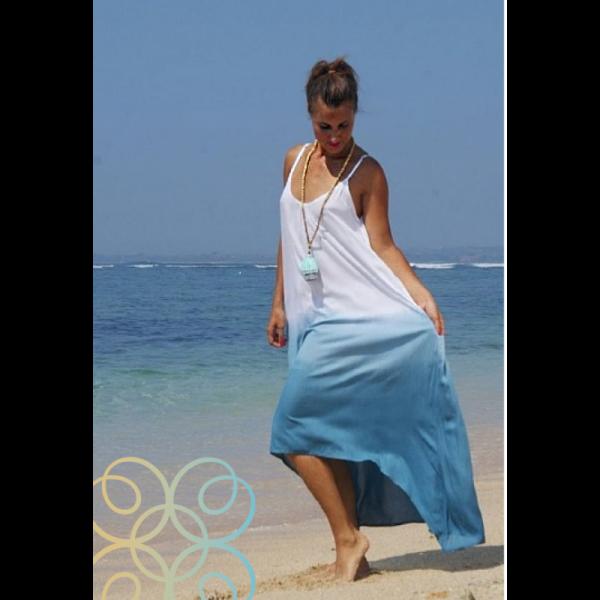 Dámské letní dlouhé šaty na ramínka batikované s kratší přední částí