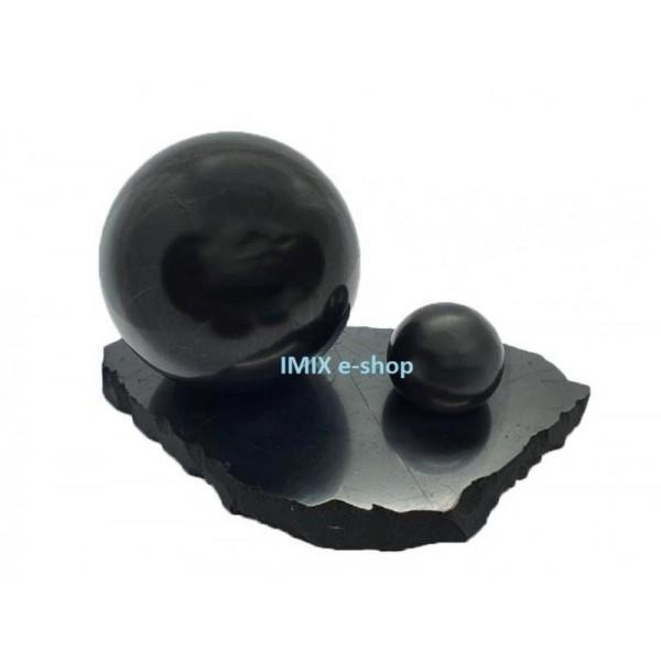 Sada šungitové koule 7 a 3 cm s velkým leštěným podstavcem