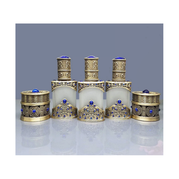 Arabský parfém v orientálním zdobeném flakónu
