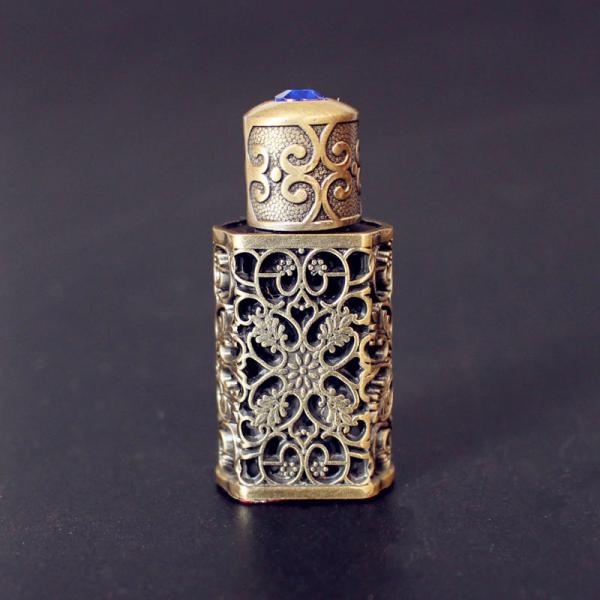 Arabský parfém v orientálním zdobeném mini flakónu - více barev