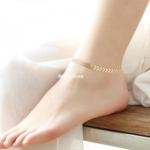 Hladký kovový náramek na kotník