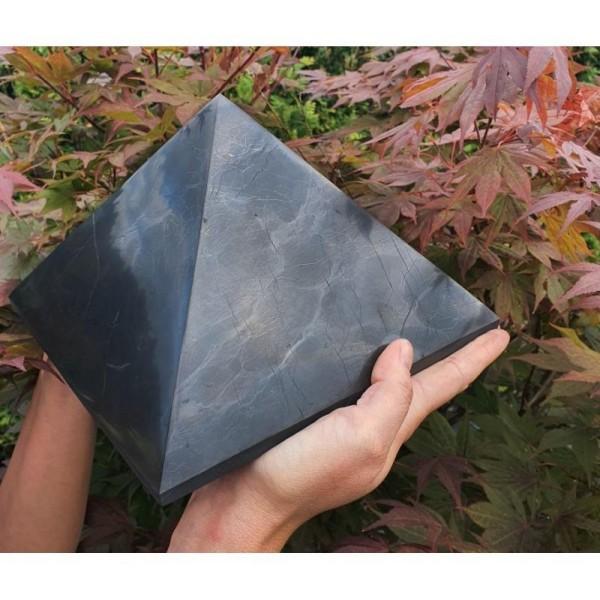 Šungitová pyramida 20x20 cm Karélie